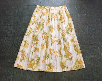 Vintage pleated floral high waist knee length skirt // size small