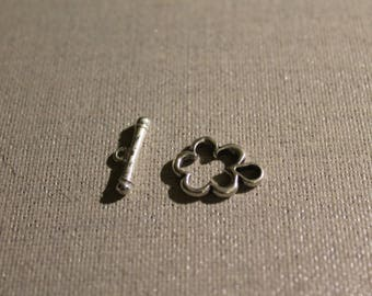 Silver 20 mm x 15mm metal T Toggle flower clasp