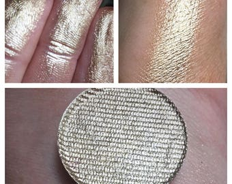 VINTAGE CHAMPAGNE- Pressed Foiled Eyeshadow Pigment - Champagne Gold