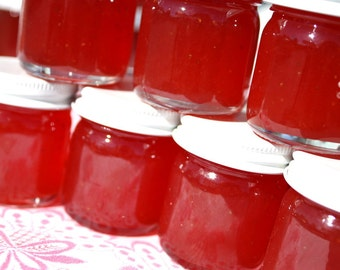 Jam favors, 25 1.5 oz strawberry pineapple jam favors for wedding or baby shower, unique party favor