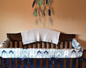 Teething Crib Rail Cover in Arrow (navy, mint and white on gray)