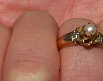 Vintage Antique Pearl Flower Design 14 K Gold Solitaire,  Engagement Ring, Size 3 *ON SALE*