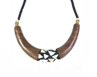 Gorgeous wood and stone u shaped necklace