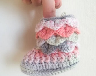 Multicolored pastel Crocodile Stitch booties