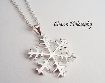 Snowflake Necklace in 925 Sterling Silver - Pure and Simple Winter Jewelry - Christmas Gift