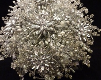 Great Gatsby wedding bouquet with large flower brooch, 1920's style bouquet, Flower brides bouquet, Brooch bouquet, Silver bouquet, beaded.