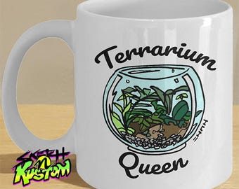 Terrarium Gifts, Funny Terrarium Mug, Terrarium Queen Gift Mug / Terrarium Decor with Illustrated Terrarium Plant & Container on Printed Mug