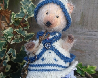 Lucy - Artist bear, Collectible Bear, Vintage Toy. PRICE REDUCED