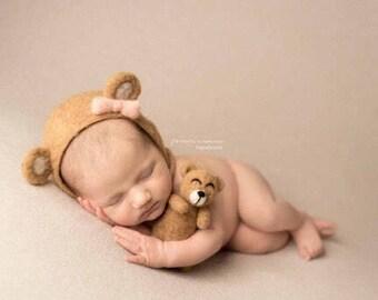 Bear Bonnet Set //Felted Newborn Photography Prop