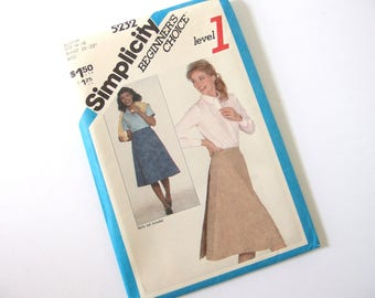 UNCUT Vintage Wrap Skirt Sewing Pattern Simplicity 5232, Size 14 - 16, Waist 28 - 30 Inches