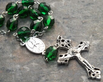 Czech Glass Car Rosary in Emerald Green, Auto Rosary, Single Decade Rosary, 1 Decade Chaplet, May Rosary, Birthstone Rosary