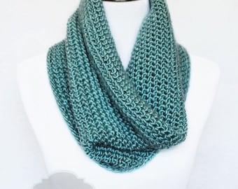 Green Crochet Scarf, Crochet Cowl, Teal Neck Warmer, Sea Green Infinity Scarf, Green Snood