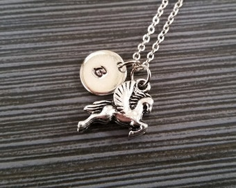 Pegasus argent Collier - Flying Horse Charm pendentif - pendentif personnalisé - cadeau personnalisé - collier initiale - cadeau personnalisé - cow-girl