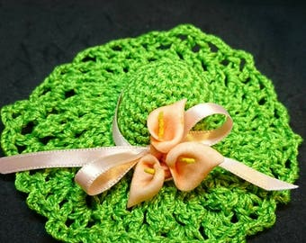Set of 2 small green bright to offer or to give!