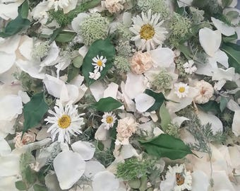 Dried Flowers, Wedding Confetti, Dry Petals, Wedding Decor, Craft Supply, Biodegradable, Petal Confetti, centerpieces, 1 Box or Bag