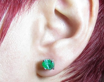 4.00+ Carat Raw Emerald Earrings - Rough Emerald Earrings - Emerald Stud Earrings - Uncut Emerald Gemstone - Green Emerald Earrings
