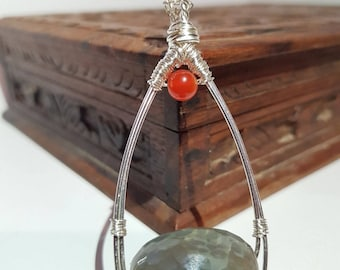 Agate and carnelian gemstone pendant