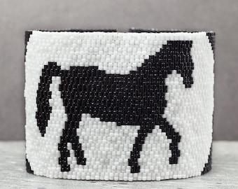 Beaded Bracelet, Seed Bead Bracelet, Horse Bracelet, Peyote, Cuff Bracelet, Horse Jewelry, Gift Idea