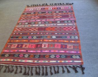 free shipping VINTAGE TURKİSH blackgoats kilim Anatolian handwoven kilim rug decorative kilim - SİZE : 59'' X 98'' ( 148 cm X 223 cm)