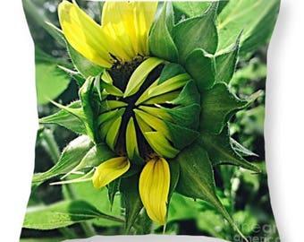"Decorative Throw Pillow ""Shy Sunflower"""