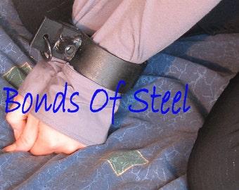 Handcuffs Restraint Bonds of Steel BDSM Mature