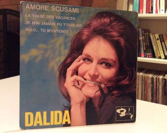 "Dalida - 1964 PS 45rpm Vinyl EP French Release ""Amore Scusami"". Bellissima!"