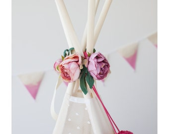 Garland with flowers, teepee topper, floral garland, peonies garland, flower garland, boho garland, wedding garland, floral nursery, rose
