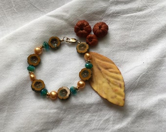 Gold Czech flower bead bracelet