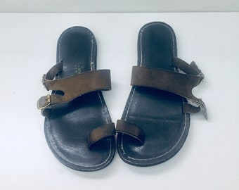 80s Sandals Leather Slip On Flip Flops Thong Khaki Green Sandals Size 7.5 1/2 39 Made in USA by Kino Key West