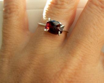 Red garnet gemstone ring- Boho red stone silver ring- Sterling silver garnet size 7- garnet oval natural stone ring-fashion ring- Women gift