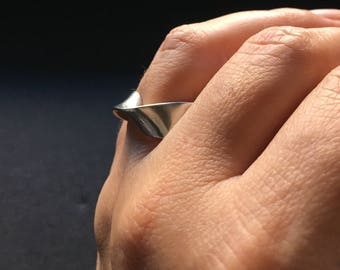 """Silver ring """"Infinite wave"""". Handmade. Original ring. Minimalist ring. Valentines day, mothers day or birthday gift"""