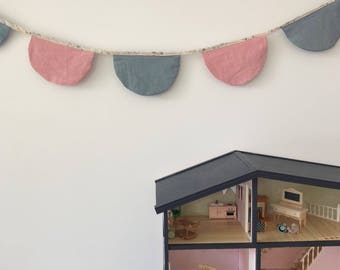 Linen scallop bunting