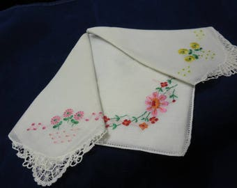 3 Vintage Hankies Tatting and Machine Embroidered Hanky Handkerchief