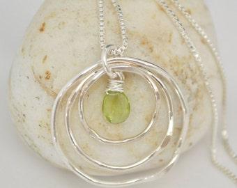 Peridot birthstone, Peridot necklace, August birthstone, 30th birthday necklace, Sister necklace, 3 sisters, Best friend necklace,Birthstone