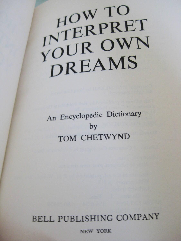 Dream interpretation Peignoir, what is the dream of Peignoir in a dream to see 29