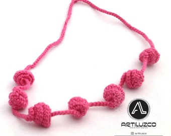 Fuchsia Irisbo, Crochet necklace, Necklace in natural fibers, Handmade knitted necklace
