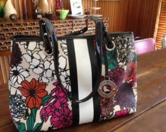 9 West fun spring floral shoulder bag - great for the new season