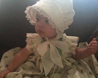 White Bonnet with Pretty Lace, White, Fabric Sun Bonnet, Beautiful Fit