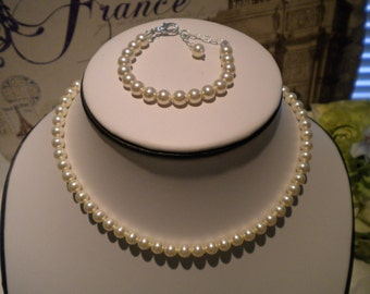 First Pearls. Jr Bridesmaid Jewelry SET, Necklace and Bracelet SET, pearl set