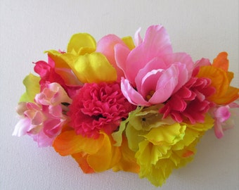 Fascinator, bright tropical wedding bridal fascinator, Festival hair clip, bridesmaid hair, beach wedding, pink & orange flower barrette