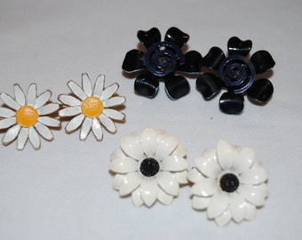 A Trio of Daisies - Earrings