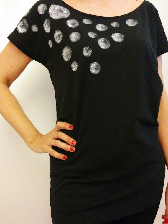 T-shirt Aster. Black colour. Long sleeve woman short type kimono and cotton 100% Ringspun handpainted