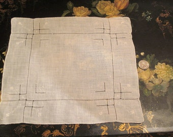 Vintage White Embroidered Linen Handkerchief