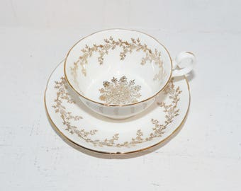 Royal Grafton Vintage China Teacup White and Gold - 1514