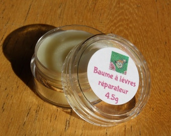 Lip balm with natural products