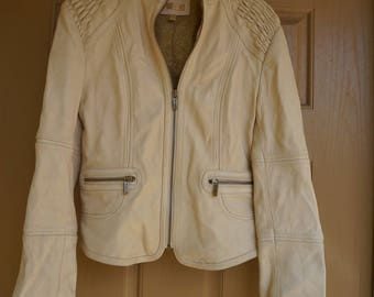 Vintage size small S Wilsons cream colored  leather jacket full lining ruched shoulders