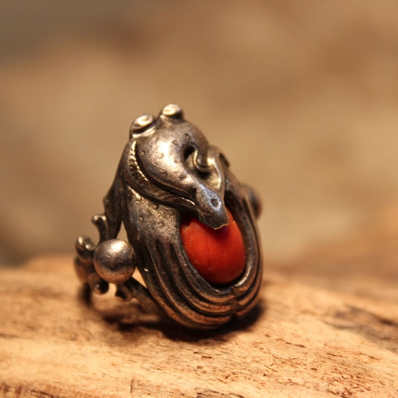 Navajo Vintage Native American Coral Snake Ring Weight 8.2 Grams Size 6 Coral 925 Sterling Silver Ring  Native American Rings Old Coral Ring