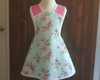 Girls size 5/6 apron