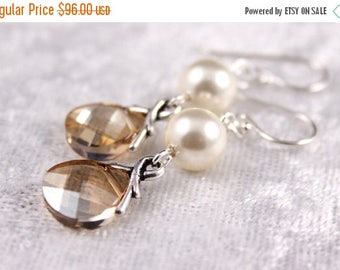 ON SALE Bridesmaid Jewelry Set of 6 Crystal and Pearl Earrings Savannah