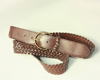 Brown Woven Vintage Belt - Metal Buckle ... a Fashionista Statement Piece Can fit for Sizes M and L and XL